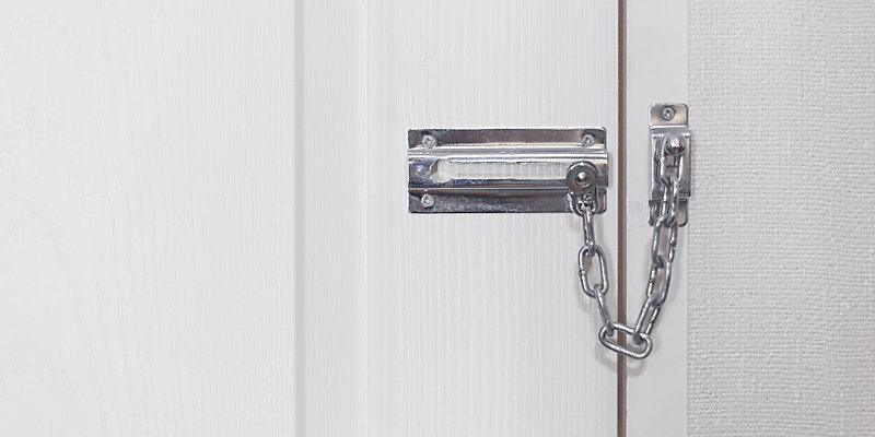 door chain lock and slide bolts
